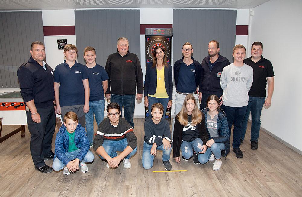 Spende für den Jugendraum der Feuerwehr Burghausen